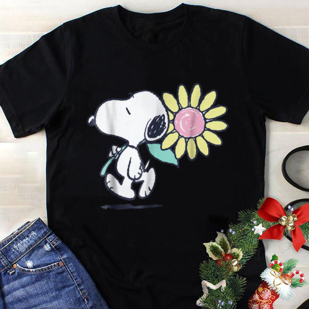 Top Peanuts Snoopy pink daisy flowerguy tee