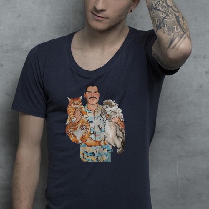 Freddie Mercury hug cats shirt 4 - Freddie Mercury hug cats shirt