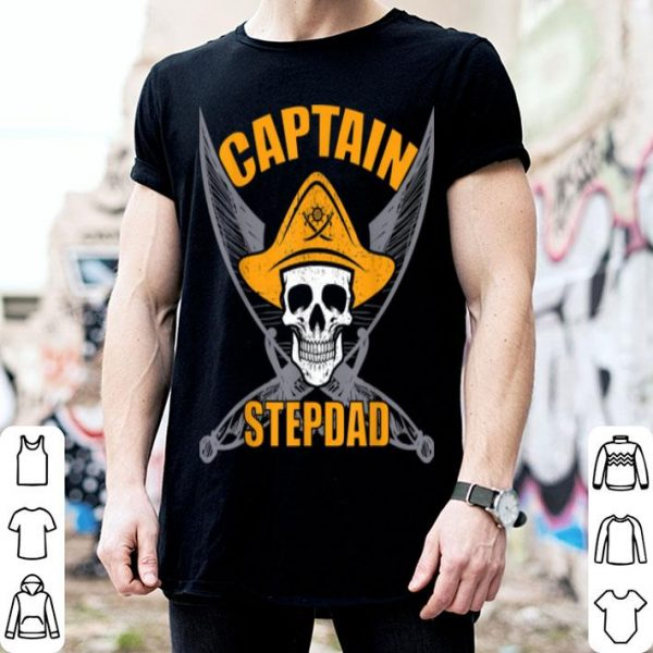 Hot Pirate Captain Stepdad Funny Halloween Party Costume Gift shirt