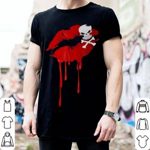 Awesome Halloween Dripping Lips - Lipstick Kiss Skull & Crossbones shirt