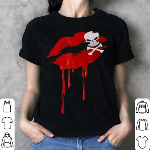 Awesome Halloween Dripping Lips - Lipstick Kiss Skull & Crossbones shirt