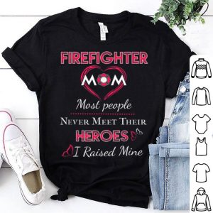 Awesome Firefighter Mom Firemen Proud Moms Mother's Day Gift Design shirt