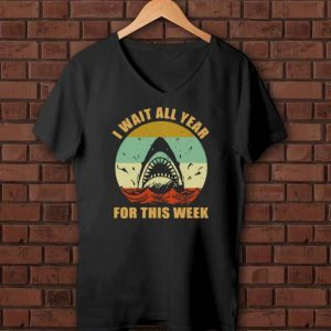 Premium Vintage Jaws I Wait All Year For This Week shirts