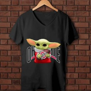 Awesome Baby Yoda Hug Ohio State Buckeyes shirt