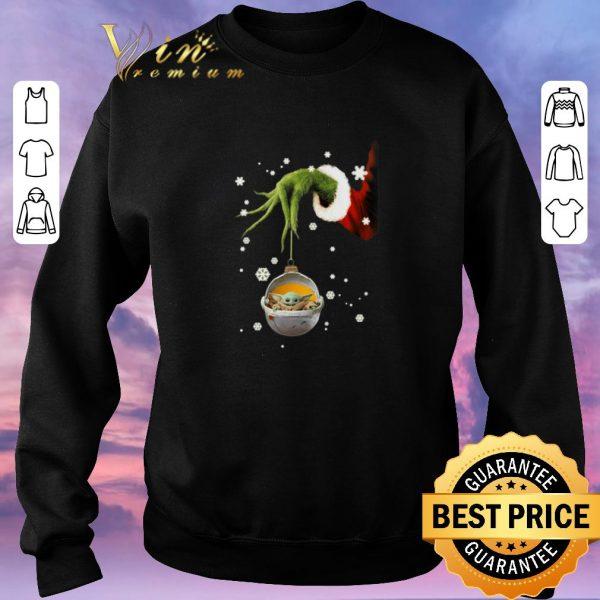 Funny Grinch hand holding Baby Yoda Star Wars Christmas shirt sweater