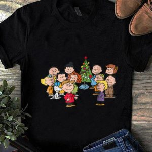 Top Peanuts Christmas sweater