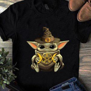 Pretty Baby Yoda Hug Harry Potter shirt
