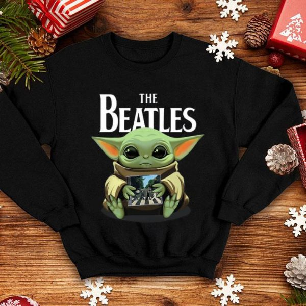 Baby Yoda hug The Beatle shirt