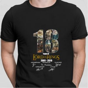 18 Years Of The Lord Of The Rings 2001-2019 signatures shirt sweater