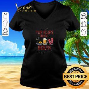 Pretty I'm a flip flops beer & ocean kinda girl shirt sweater 2019