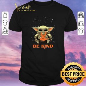 Awesome Baby Yoda hug i love you sign be kind Star Wars Mandalorian shirt sweater