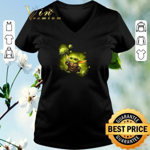 Awesome Baby Yoda against Coronavirus Covid19 Star Wars shirt sweater