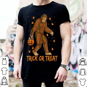 Nice Bigfoot Sasquatch Halloween Trick Or Treat Costume Kids Boys shirt