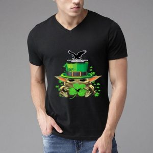 Star Wars Baby Yoda American Eagle Outfitters Shamrock St.Patrick's Day shirt