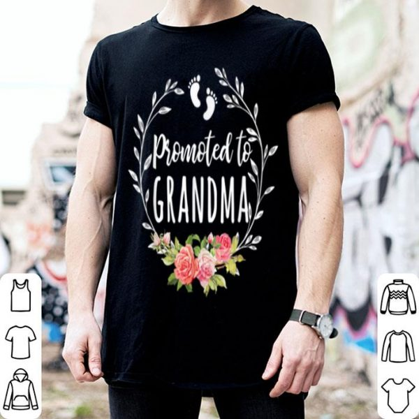 Awesome Promoted To Grandma Est 2020 Mother's Day New Mama shirt