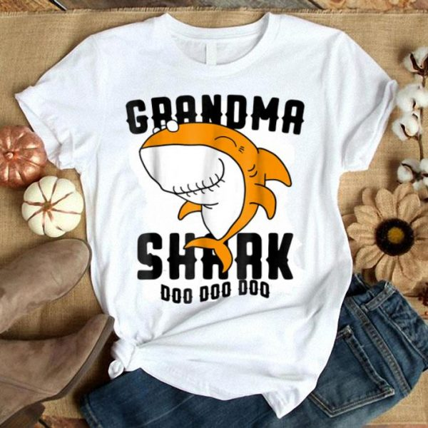 Nice Grandma Shark Mother Grandma Halloween Christmas shirt