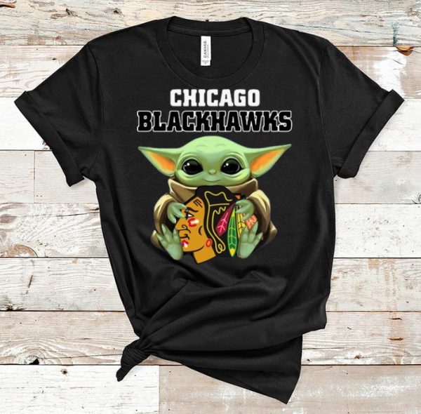 Awesome Star Wars Baby Yoda Hug Chicago Blackhawks shirt