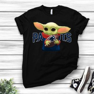 Football Baby Yoda Hug New England Patriots shirt