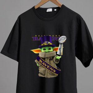 Nice Star Wars Baby Yoda Baltimore Ravens Cup shirt