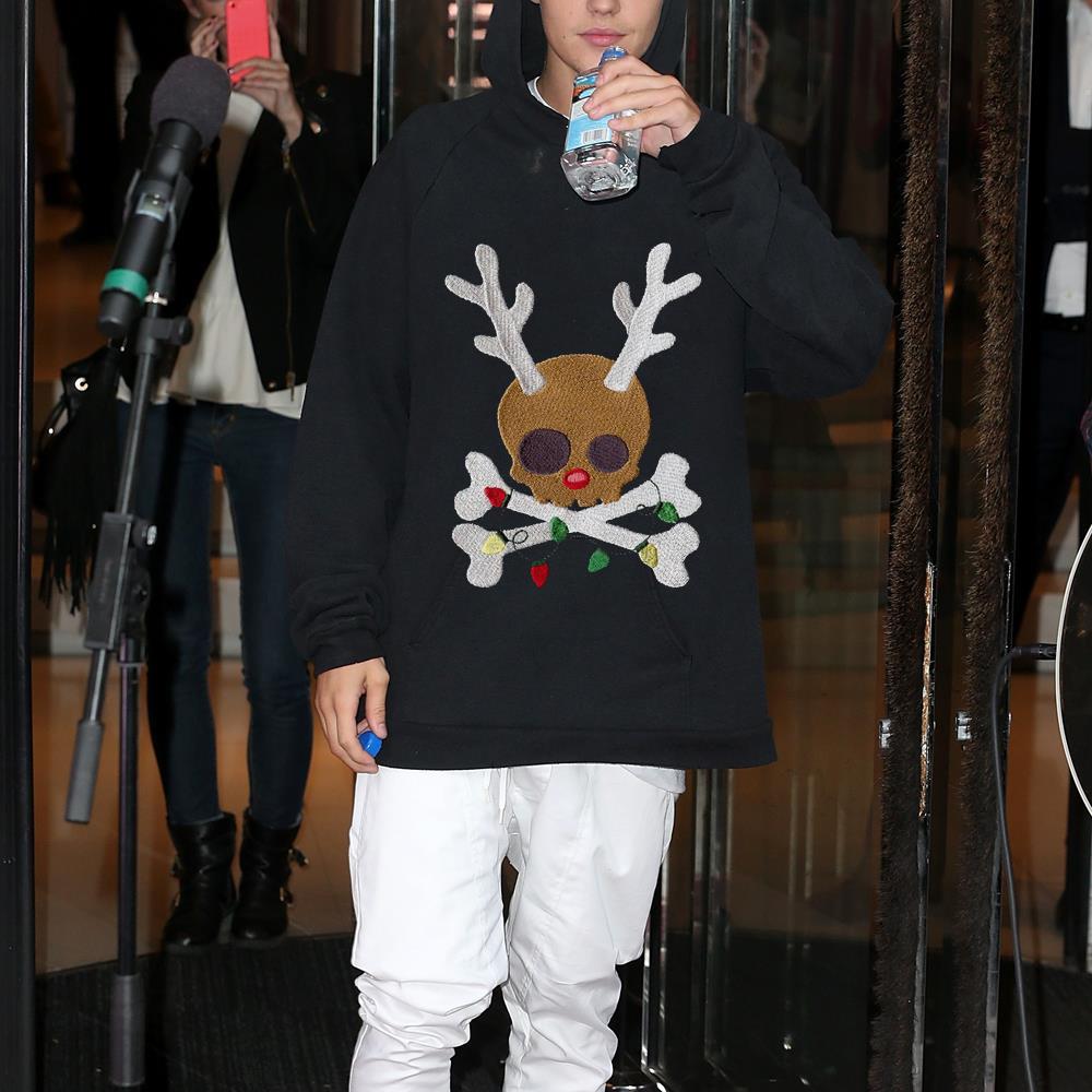 Skull reindeer Jolly Roger shirt 1