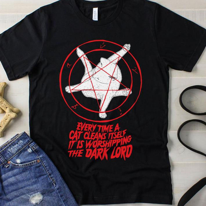 Pentagram Cat Every time a cat cleans itself it is worshipping the Dark lord shirt