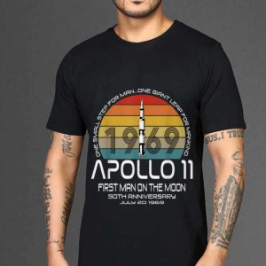 The best trend One Small Step For man On Giant Leap For Mankind Apollo 11 First Man On The Moon Vintage shirt