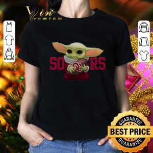 Cool Baby Yoda hug Oklahoma Sooners shirt 1