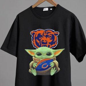 Original Star Wars Baby Yoda Hug Chicago Bears shirt