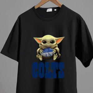 Top Star Wars Football Baby Yoda Hug Indianapolis Colts shirt