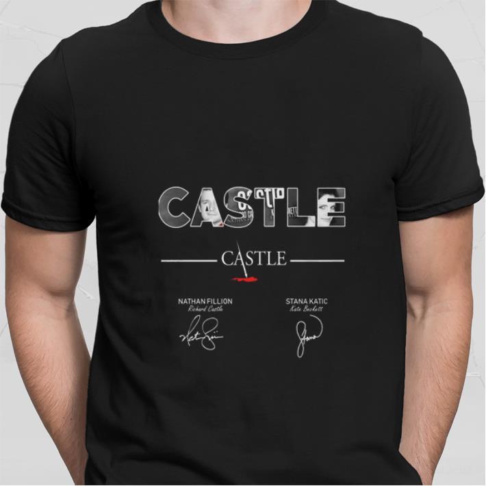 Castle Nathan Fillion Stana Katic signatures shirt sweater
