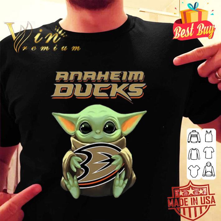 Baby Yoda hug Anaheim Ducks Star Wars Mandalorian shirt