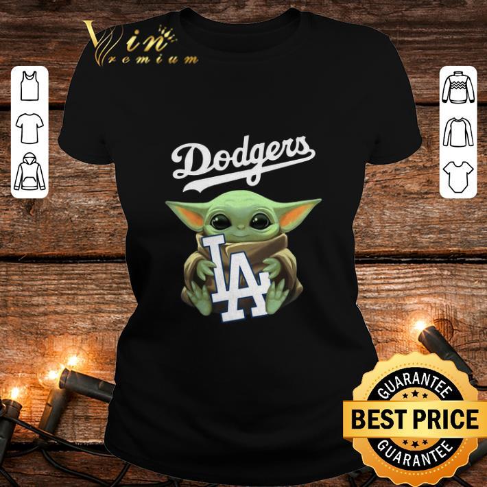 Baby Yoda hug Los Angeles Dodgers Mandalorian Star Wars shirt