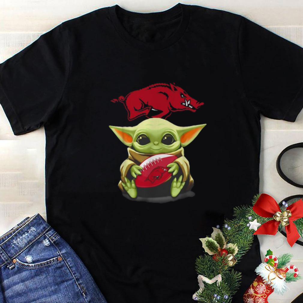 Baby Yoda hug Arkansas Razorbacks Star Wars shirt