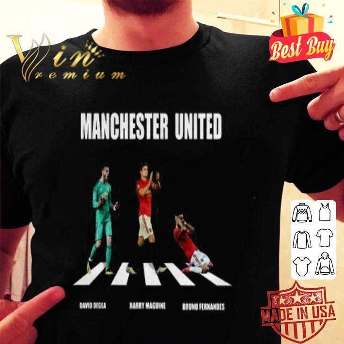 Manchester United players Abbey Road David Degea Bruno Fernandes shirt