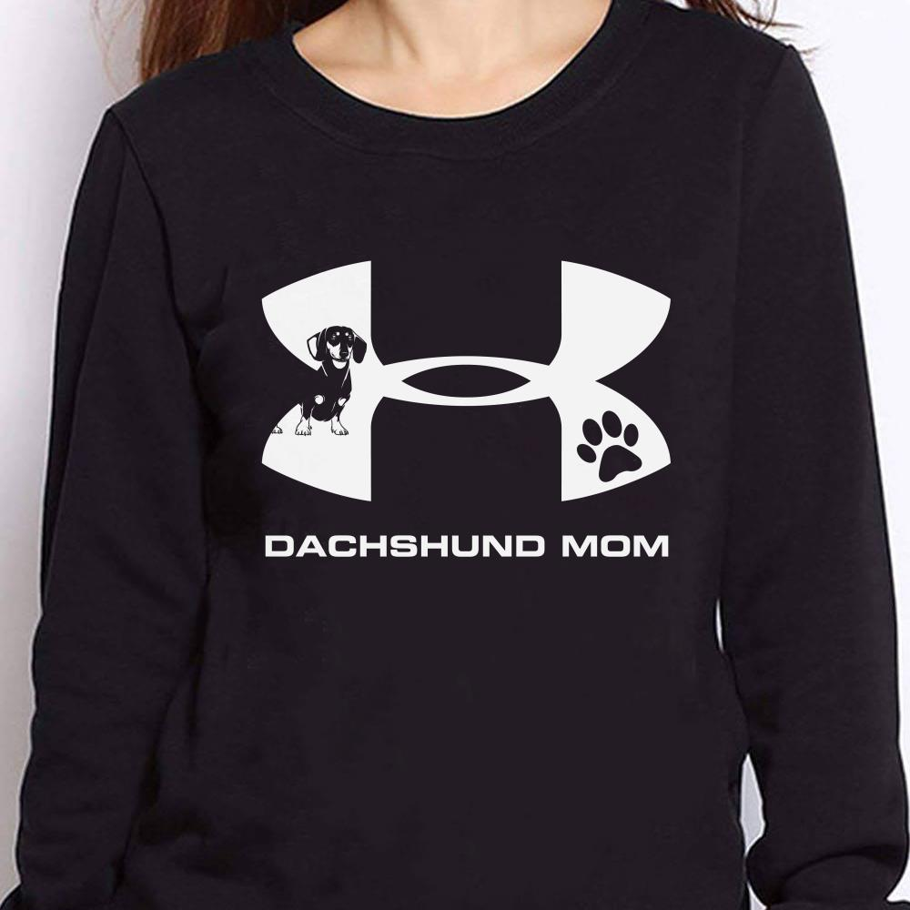 https://teesporting.com/wp-content/uploads/2018/11/Official-Under-Armour-Dachshund-Mom-shirt_4.jpg