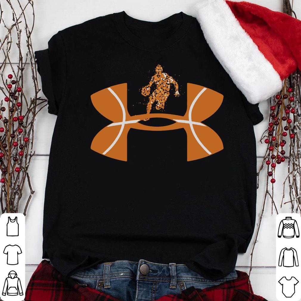 Basketball Under Armour logo shirt