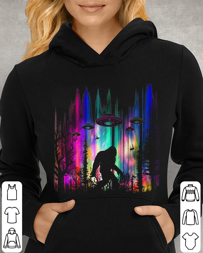 https://unicornshirts.net/images/2019/01/Bigfoot-UFO-Aliens-Abduction-shirt_4.jpg