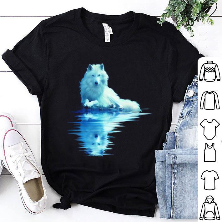Arctic Wolf reflection shirt