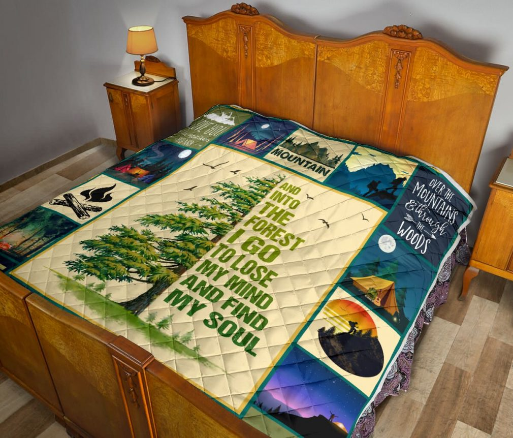 Hiking and into the forest i go to lose my mind quilt blanket