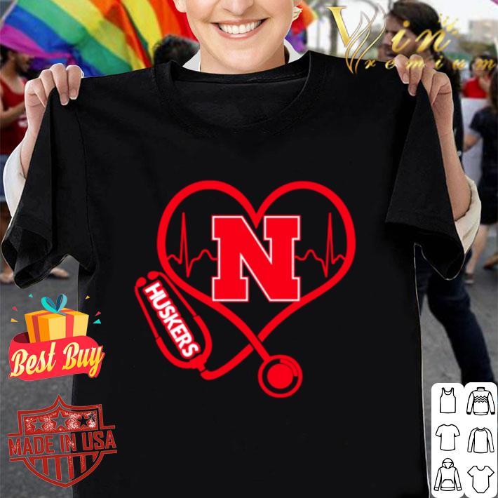 Love Nebraska Cornhuskers Stethoscope Heartbeat nurse shirt