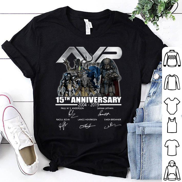 AVP Alien vs Predator 15th Anniversary 2004 2019 Signatures shirt